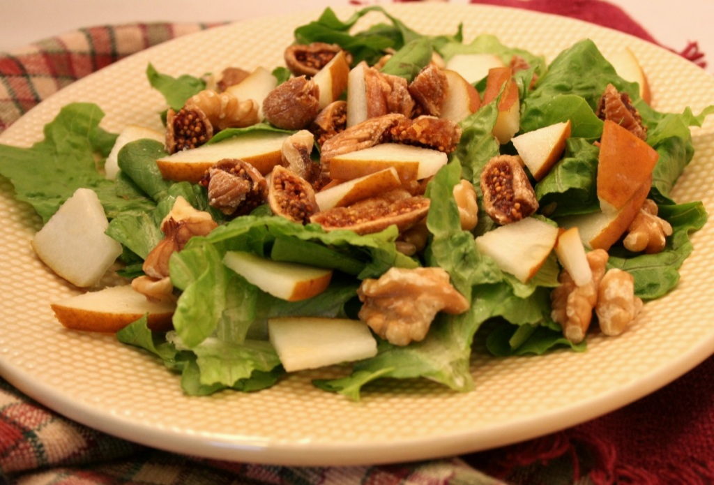 Fig-Pear Walnut Salad