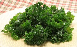 lemon-pepper kale